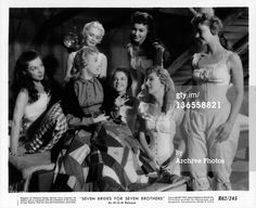 News Photo: Betty Carr Nancy Kilgas Virginia Gibson Julie Newmeyer… Old Hollywood Glamour, Golden Age Of Hollywood, Film Seven, Jane Powell, Brothers Movie, Old Movies, Musicals, It Cast, Brides