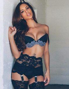 Model : Melissa Riso