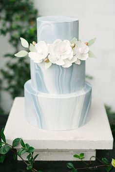 24 Trendy Marble Wedding Cakes ❤ See more: http://www.weddingforward.com/marble-wedding-cakes/ #wedding