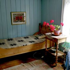 Hélène Magnússon - Knitting news from Iceland Decor Interior Design, Interior Decorating, Iceland Island, Fire And Ice, Knitting Designs, Disney Frozen, Old Photos, Toddler Bed, Sweet Home