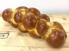 Scones, Jewish Bread, Bread Recipes, Cooking Recipes, Happy Foods, Challah, Snacks, Pretzel Bites, Coffee Shop