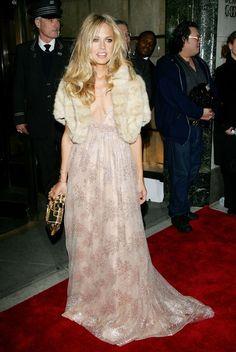 Sienna Miller Hosts Marchesa & Bergdorf Goodman Dinner October 25, 2006