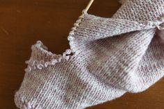 How to safely shorten the sleeves of knitted cardigans