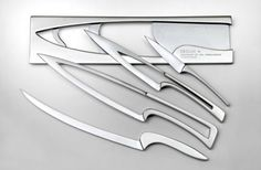 The ergonomic design for the Meeting knives was inspired by the Fibonacci Sequence, using the width of an average hand as a starting point.
