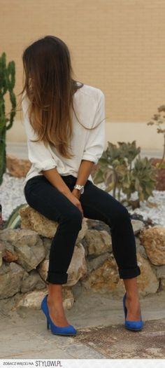 Woman's Fashion / Dark jeans, white blouse, colorful s… na Stylowi.pl