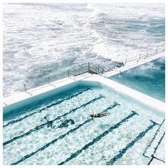 Bondi Beach – one of the most iconic places in Australia – Hier sind die besten Sightseeing-Touren der Welt. The Beach, Bondi Beach, Beach Pool, The Places Youll Go, Places To See, Amazing Nature, Belle Photo, Santorini, Summer Vibes