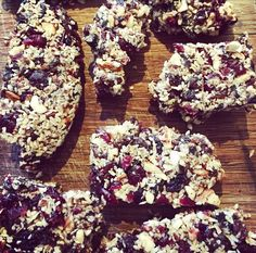 Whether you need a snack to keep you going throughout the day, a pre-workout boost or a healthy dessert, these paleo bites are perfect!They require no baking, Acai Bowl, Paleo, Snacks, Cookies, Workout, Chocolate, Baking, Healthy, Breakfast