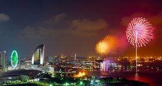 Fireworks Display Over Yokohama, Kanagawa, Japan New Years Eve Fireworks, Cute Text Messages, Happy New Year Message, Japanese New Year, Happy New Year 2018, Go To Japan, New Year Celebration, Wallpaper Free Download, Yokohama