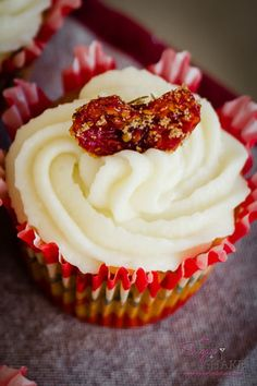"""Love Apple"""" Cupcake with Mascarpone Frosting and Brown Sugar ..."""