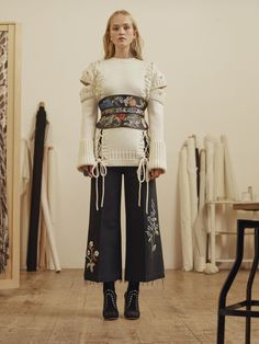 Alexander McQueen Autumn/Winter 2017 Pre-Fall Collection