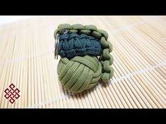 Paracord Monkey's Fist Made Easy with this Simple DIY Jig - YouTube Paracord Bracelet Designs, Paracord Keychain, Paracord Projects, Paracord Bracelets, Paracord Ideas, Knot Bracelets, Survival Bracelets, Paracord Tutorial, Paracord Knots