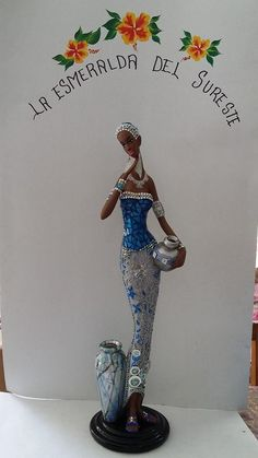 African Dolls, African Art, African Figurines, Framed Burlap, Fairy Statues, African Sculptures, Plastic Bottle Crafts, Jesus Art, Women Figure