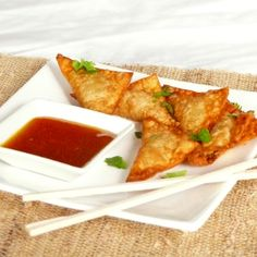 Fried chicken and green chili wontons with a succulent spicy mango habanero dipping sauce.