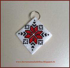 lucru manual adelina: Breloc cusaturi traditionale Colul Morii Hand Work Embroidery, Folk Embroidery, Hand Embroidery Designs, Embroidery Patterns, Cross Stitch Designs, Cross Stitch Patterns, Butterfly On Flower, Polymer Clay Embroidery, Cross Stitch Bookmarks