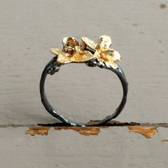 Jasmine Blossom Ring - 10kt gold / ox sterling silver