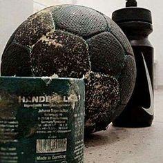 #handballpower Beauty And The Beast Wallpaper, Handball Players, Sport Motivation, Soccer Ball, Wax, Goalkeeper, Couple, Fitness, Image