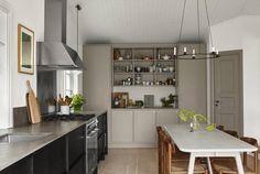 Foto: Nordiska Kök Interior Design Minimalist, Minimalist Home Decor, Minimalist Kitchen, Minimalist Bedroom, Minimalist Wardrobe, Minimalist Living, Modern Minimalist, Moduler Kitchen, Kitchen Interior
