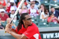 Larry Fitzgerald=awesome, some guys actually make dreds look freaking amazing!
