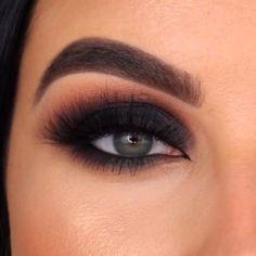 Smoke Eye Makeup, Makeup Eye Looks, Eye Makeup Steps, Eye Makeup Art, Makeup For Brown Eyes, Eyebrow Makeup, Skin Makeup, Black Smokey Eye Makeup, Simple Smokey Eye