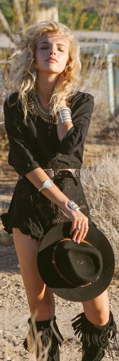 Bohemian chic in black. For more follow www.pinterest.com/ninayay and stay positively #pinspired #pinspire @ninayay