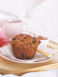 Bake These Pear And Walnut Muffins Cake Flour, Something Sweet, Recipe Of The Day, Tray Bakes, Baked Goods, Pear, Sweet Tooth, Muffins, Sweet Treats