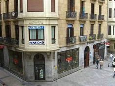 Pension San Telmo Hostel is located 3 minutes walking from Kursaal, 5 from Zurriola beach and about 6 from la Concha bay. In San Telmo you will enjoy an unforgettable stay in San Sebastian, not only because its comfort but also due to its optimum location, close to many pintxos bars and party clubs. Come to visit us! #SanSebastian #Euskadi #travel