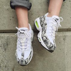 Sneakers femme - Nike Air Max 95 ID - Pic by girlonkicks