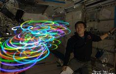 Juxtapoz Magazine - Koichi Wakata Light Paints Aboard the Space Station