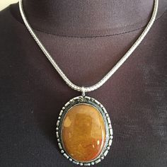 NWOT SILVER AND STONE STATEMENT NECKLACE NWOT SILVER AND STONE STATEMENT NECKLACE Jewelry Necklaces