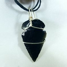 Check out this item in my Etsy shop https://www.etsy.com/listing/517207491/hand-knapped-replica-obsidian-arrowhead