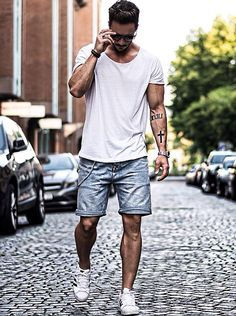 How to Wear Shorts For Men looks & outfits) Topman Fashion, Mens Fashion Blog, Mens Fashion Suits, Men's Fashion, Street Fashion, Fashion Ideas, Fashion Shorts, Fashion Styles, Trendy Fashion