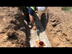 HOW TO: Install an Underground Drainage System with FloPlast | Professio...