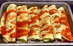 Pyszne naleśniki zapiekane z mozzarellą i warzywami - Blog z apetytem Hot Dog Buns, Mozzarella, Zucchini, Sushi, Food And Drink, Menu, Bread, Dinner, Vegetables