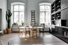 Home Interior Design — Apartment with tall windows, ceiling, and kitchen. Patio Interior, Apartment Interior, Home Interior, Kitchen Interior, Interior Architecture, Interior Design, Studio Apartment, Ikea Interior, Apartment Kitchen