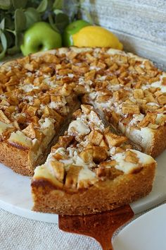 Caramel Apple Cream Cheese Tart has Granny Smith apples, caramel baking chips together with a cream cheese filling surrounded by a sugar-cookie like crust. Tart Recipes, Apple Recipes, Cheesecake Recipes, Sweet Recipes, Baking Recipes, Apple Tart Recipe, Raspberry Cheesecake, Oreo Cheesecake, No Bake Desserts