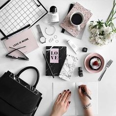 Less is more... beauty and fashion flatlay