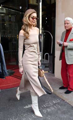 February Gigi hadid Leaving Le Royal Monceau Raffles hotel in Paris, France Gigi Hadid Outfits, Gigi Hadid Style, Inspired Outfits, Chic Outfits, Fashion Outfits, Fashion Fashion, Victoria Secrets, Fashion Images, Daily Fashion