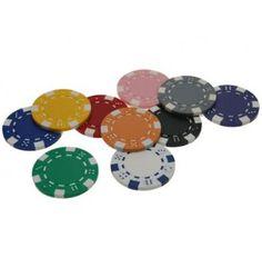 Wie kent ze niet? De Dice poker chips zijn zo'n beetje de bekendste pokerfiches die verkrijgbaar zijn.   Gedurende de poker boom waren de Dice chips bijna op iedere straathoek te kopen. Nu worden Dice chips vooral veel gebruikt bij standaard home games en andere casinospellen zoals Roulette.   Verkrijgbaar in veel kleuren.