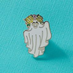 Our Tattooed ghost has had a Summer makeover in time for the Festival Season! Now available with full Summer vibes. Hard enamel pin measuring approx 30mm