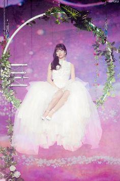 Momo i love you J Pop, Kpop Girl Groups, Korean Girl Groups, Kpop Girls, Boy Groups, Extended Play, Jonghyun, Shinee, Twice Chaeyoung