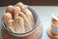 Biscuits à la cuillère de Pierre Hermé Chefs, Mini Cakes, Biscuits, Sweet Recipes, French Recipes, Biscuit Cookies, Beignets, Scones, Friends