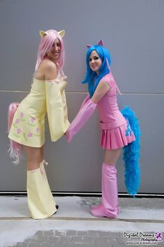More MLP cosplay inspiration! My Little Pony Party, My Little Pony Dress, My Little Pony Costume, My Lil Pony, Comic Con Costumes, Diy Halloween Costumes, Cool Costumes, Rainbow Dash Party, Care Bear Costumes