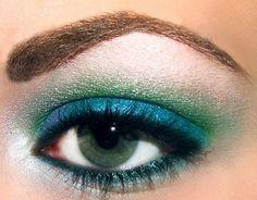 Simple blue & green eyeshadow look