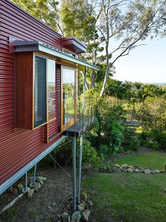How Phorm Architecture created an escapist retirement retreat External Cladding, Metal Cladding, Residential Architecture, Architecture Design, Kitchen Benches, Mid Century House, Outdoor Rooms, Beautiful Homes, House Styles
