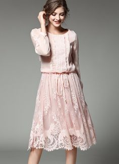 Bring the romance with comfort and ease in this ultra-feminine Daydream dress punctuated with lovely and delicate lace insets. Cotton A-Line Full regular sleeves Lace patterns Mid-Calf Empire waist O-Neck