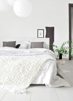 Monochrome condo bedroom in grey and white. The plant gives the room a little more life. Condo Bedroom, Bedroom Decor, Small Bedroom Designs, Up House, Modern Bedroom, Serene Bedroom, Home Decor Inspiration, Sweet Home, House Design
