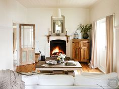 A country cottage reborn - Home Beautiful Rugs In Living Room, Living Room Designs, Living Spaces, Cozy Living, French Style Homes, Rustic Chic, Rustic Style, Boho Style, Decorating Your Home