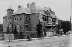 The Perth Hospital in 1896 (now Royal Perth) Perth Western Australia, Great Buildings And Structures, Haunted Mansion, Back In The Day, Wild West, Countryside, The Good Place, Wa Gov, Street View