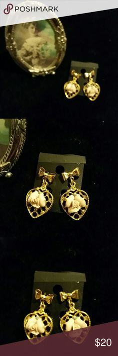 BETSEY JOHNSON  EARRINGS * 24 HOUR PRICE  DROP * BEAUTIFUL  BETSEY...BOW  AND HEART ... Betsey Johnson Jewelry Earrings