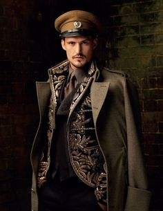 steampunk / military / post apocalyptic inspiration / dapper captain / cosplay f. - steampunk / military / post apocalyptic inspiration / dapper captain / cosplay for men Source by AthaelLudd - Viktorianischer Steampunk, Steampunk Cosplay, Steampunk Clothing, Steampunk Fashion, Steampunk Outfits, Steampunk Accessories, Gothic Clothing, Steampunk Vetements, Military Fashion